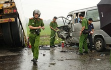 Ôtô chở tăng ni, phật tử lấn đường gây ra vụ tai nạn thảm khốc 3 người chết