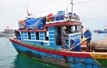 Chủ tàu cá đi tìm người thân của 3 thuyền viên mất tích trên biển