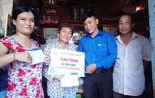 Vĩnh Long: Tặng sổ tiết kiệm cho thành viên CEP