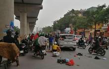 Xế hộp bất ngờ tông hàng loạt phương tiện trên phố, 3 phụ nữ bị thương
