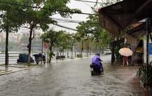 Áp thấp xuất hiện trên Biển Đông, miền Trung lại đối mặt với mưa lớn