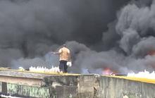 Một mình một xô nước...cứu nhà 5 tầng cháy ngùn ngụt
