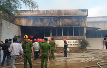 Đà Nẵng: Xưởng gỗ bốc cháy dữ dội sau chập điện