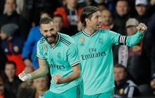 Thủ thành Courtois đánh đầu kiến tạo Benzema lập công giúp Real Madrid thoát thua