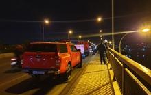 Nghi vấn 1 nữ sinh lớp 11 nhảy từ trên cầu xuống sông Sài Gòn