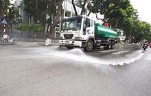 Ô nhiễm không khí trầm trọng, nhiều quận ở Hà Nội đồng loạt đề nghị được rửa đường sau 3 năm