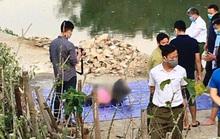 Phát hiện thi thể người đàn ông đi giày, mặc áo phao đang phân hủy dưới suối