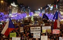 Giàu hơn cả ông Trump, thủ tướng Czech chịu chung điều tiếng
