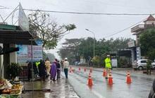 Người phụ nữ bị xe máy tông tử vong khi đi bộ sang đường