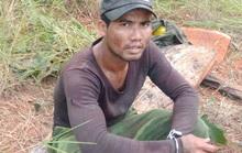 Kiểm lâm đuổi bắt đối tượng cưa hạ gỗ quý trong VQG Yók Đôn