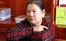 Đang trốn truy nã, người phụ nữ U60 sa lưới vì hành nghề hai ngón
