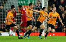 Ngoại hạng Anh sốc nặng khi VAR giải cứu Liverpool