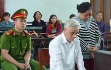 Cựu chánh án Phú Yên tham ô gục đầu nghe tòa tuyên phạt