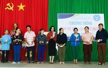 Đồng Nai: 450 người lao động nghèo nhận thẻ BHYT