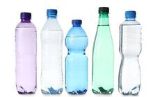 Uống nước kiểu này, nhiễm hóa chất uốn cong giới tính