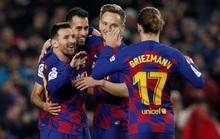Messi nâng Quả bóng vàng, lập siêu phẩm hat-trick ở Nou Camp