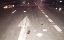 Tông vào sau xe tải dừng bên đường, 3 thanh niên đi xe máy tử vong