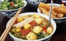 Khám phá hết ba quán bún riêu cua lâu đời ở Hà Nội
