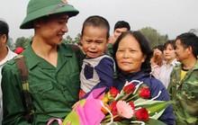 Bí thư Tỉnh ủy Trịnh Văn Chiến tiễn thanh niên Thanh Hóa lên đường nhập ngũ