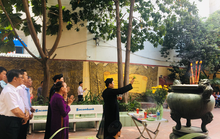 Lư hương trước tượng đài Trần Hưng Đạo đã an vị ở Đền thờ Đức thánh Trần