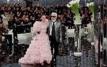 Những khoảnh khắc đáng nhớ của bố già thời trang Karl Lagerfeld
