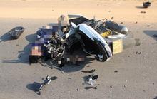 Xe chở khách du lịch tông xe máy, 2 người chết