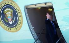 Tổng thống Mỹ Donald Trump lên Air Force One, hướng đến Hà Nội