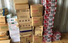 Container máy đào bánh xích nhưng chứa đầy hàng lậu