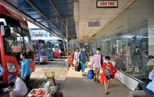 """Bến xe, ga tàu tại TP HCM """"dễ thở"""" ngày cận Tết"""