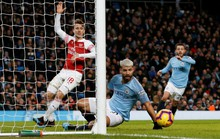 Gục ngã ở Etihad, Arsenal văng khỏi Top 5