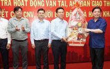Bộ trưởng Bộ GTVT Nguyễn Văn Thể thăm, chúc Tết CBCNV  Bến xe Miền Đông