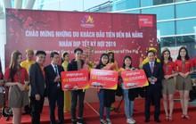 Đà Nẵng đón chuyến bay chở du khách Hàn Quốc đến xông đất