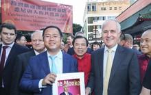 Úc hủy hộ chiếu, cấm cửa tỉ phú Trung Quốc quay lại