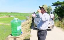 Mát lòng những thùng nước miễn phí đặt ven đường ngày nắng nóng!