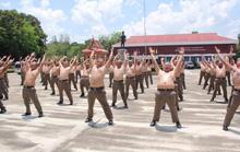 Thái Lan: Lười, ăn nhiều, cảnh sát bị gửi đi trại để triệt mỡ thừa