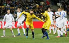 Chelsea một bước trở lại tốp 4