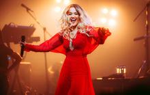 Rita Ora chọn trang phục Việt Nam cho tour diễn Phoenix
