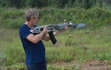 Nga: Ngỡ ngàng với thiết bị bay tích hợp súng trường tự nạp đạn