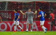 Đội nhà tiếp tục bại trận, Đặng Văn Lâm vẫn được chấm điểm cao nhất