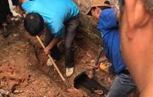 Đào cống dẫn nước thải giải cứu thanh niên ngáo đá chui vào sau gần 1 ngày