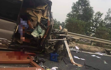 Tai nạn 4 người thương vong trên cao tốc: Xe khách chạy 112 km/giờ trước khi tông xe container