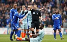 Chelsea được trọng tài 2 phen giải cứu, Cardiff ấm ức chờ rớt hạng