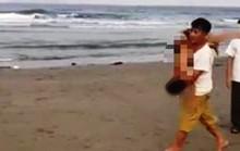 Đi tắm biển ngày nghỉ lễ, 2 học sinh chết đuối thương tâm