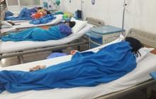 Điều tra vụ 14 du khách Lào nhập viện nghi do bị ngộ độc thực phẩm