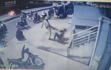 Hai người bị CSGT chĩa súng, đá vào mặt là quái xế