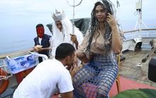 Độc đáo lễ vượt qua xích đạo, lính hải quân biến thành vua thủy tề và hoàng hậu