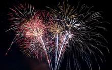 Bắn pháo hoa dịp Giỗ Tổ và lễ hội Đền Hùng