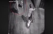 Điều tra thông tin bé gái 10 tuổi bị người đàn ông dụ vào ngõ vắng xâm hại