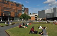 Úc: Bít cửa gian lận trực tuyến ở đại học bằng án tù 2 năm