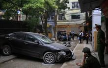 Bất ngờ thân thế người phụ nữ chạy Camry lùi xe tông chết người